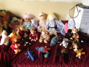 cl office supplies, stuffed animals, almost empty storage shed 004